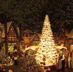 14 Christmas around the world - how the British, Cubans, Swiss and other nations celebrate Christmas