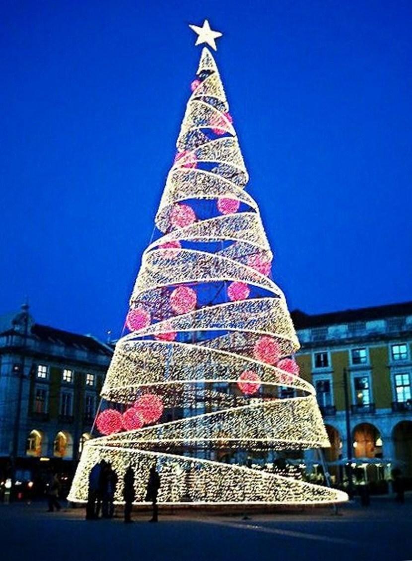 「Lisbon christmas tree」の画像検索結果