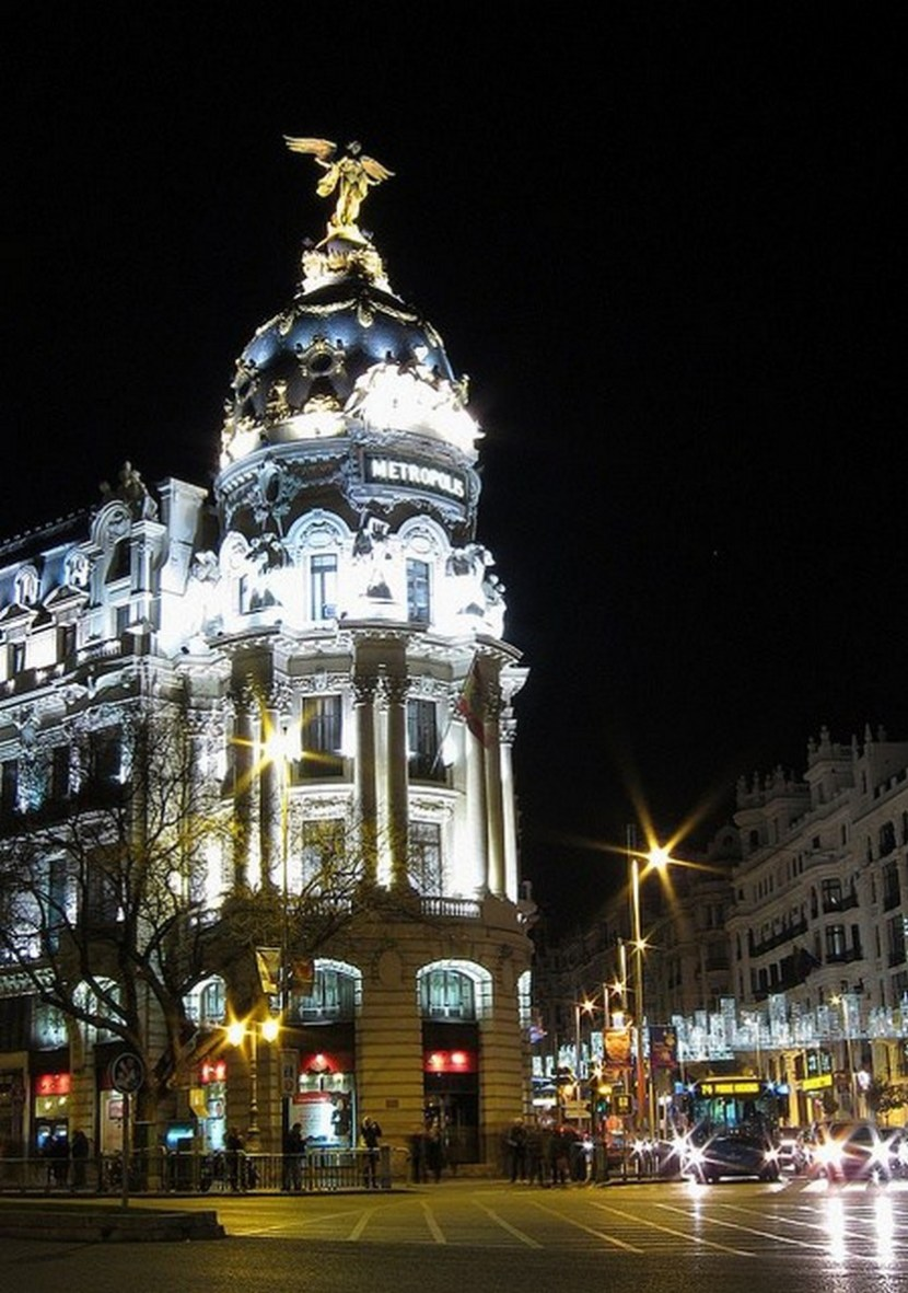 Christmas in Metropoli building and Gran Vía, Madrid