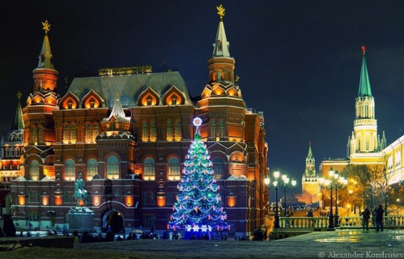 Merry Christmas from Moscow – photo by Alexander Kondrusev