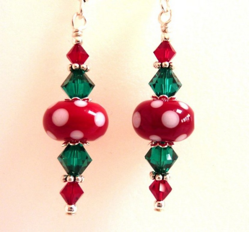 Christmas Red & Green Glass Beaded Earrings