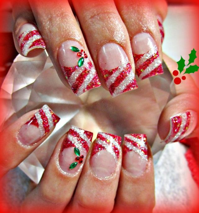 candy-cane-and-holly-acrylic-nails