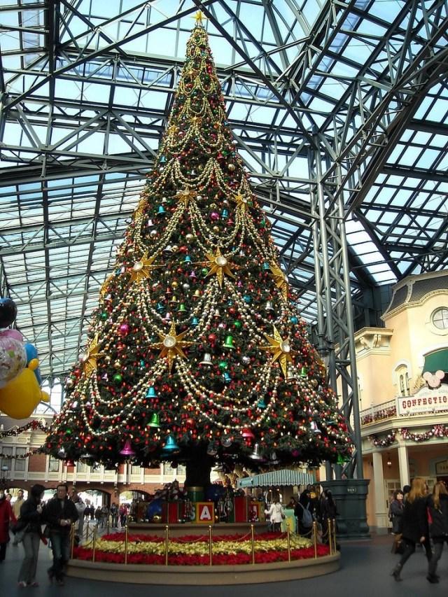 Christmas Tree at Tokyo Disneyland