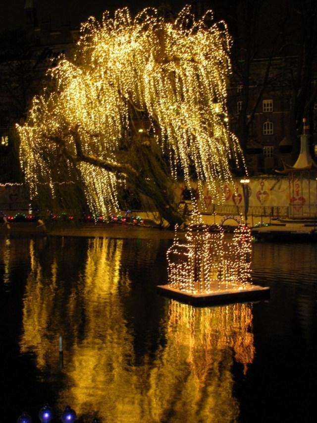 christmas-in-tivoli-gardens-copenhagen-denmark-2