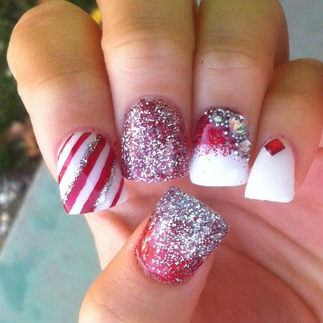 christmas-nails-by-nailsbylins