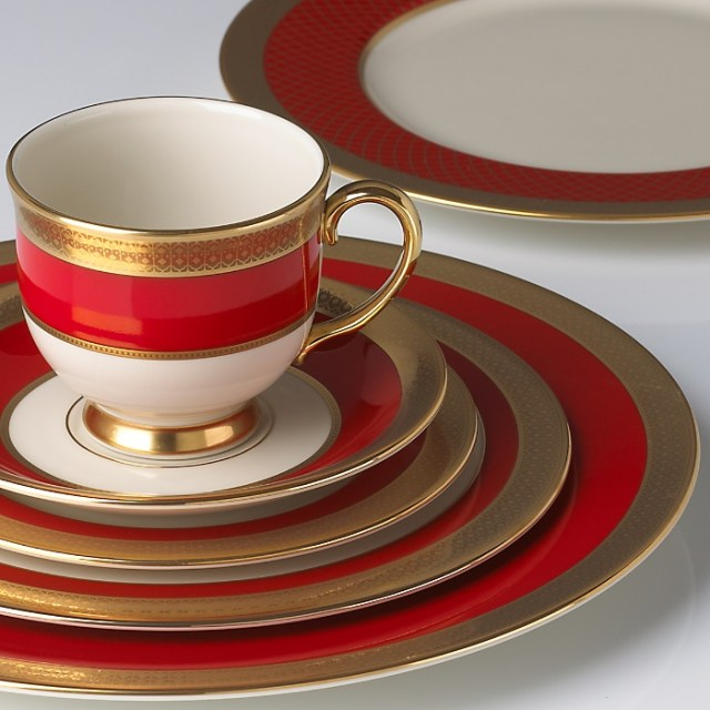 Embassy 5-piece Dinnerware Place Setting by Lenox - Great alternative for Christmas china without the typical Christmas patterns