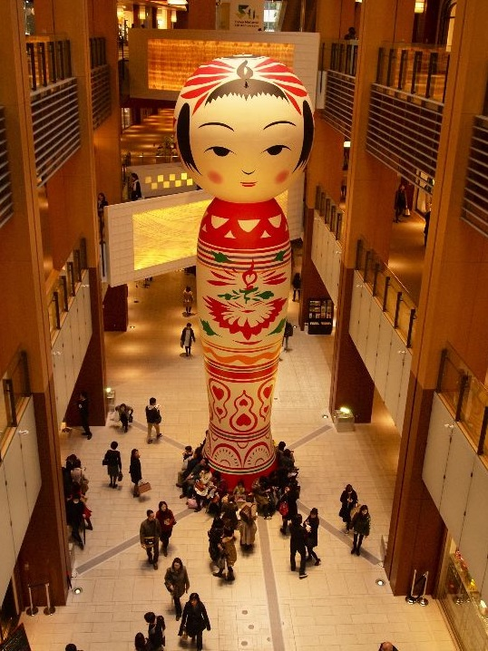 "Giant Kokeshi Doll ""Hanako"" at Roppongi Art Night, Tokyo, Japan…and yes, we know it's hard to fit under the Christmas tree.."