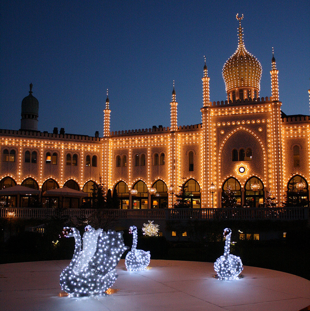 tivoli-is-dressed-in-christmas-mood-from-late-november-till
