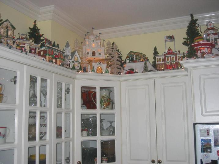Christmas Decorating Above Kitchen Cabinets Photos