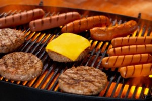 hamburgers_hot_dogs_on_the_grill