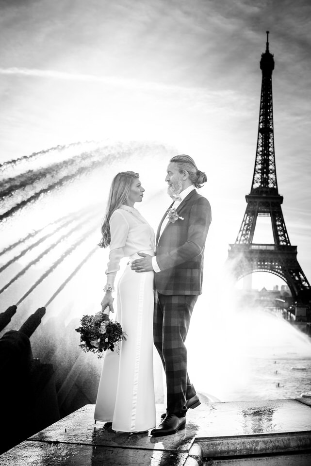Christophe Lefebvre Photographe Maisons-Laffitte ou shooter quand il pleut / Paris Tour Eiffel Couple