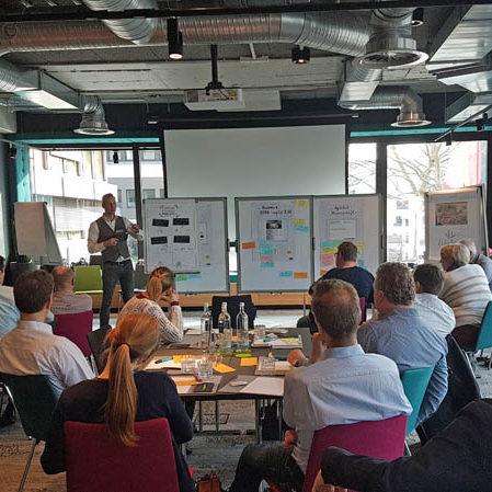 Organisation neu denken mit Design Thinking und Scrum
