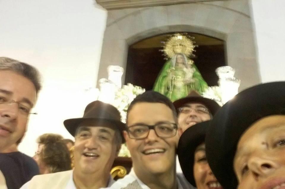 Este año, tampoco podía faltar el selfie en la Romería de Carrizal.
