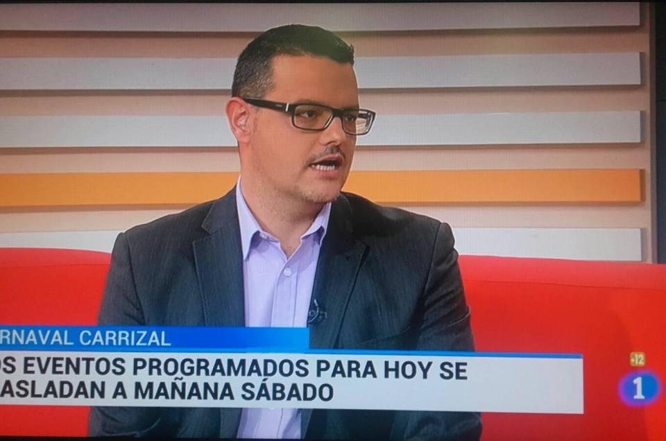 En TVE hablando del Festival de Chirigotas.
