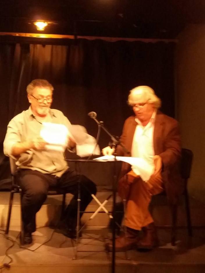 """Γιώργος Ηλιάδης (αριστερά) και Ανδρέας Μαυραγάνης στην παρουσίαση του βιβλίου """"Τα δυο πουγκιά"""""""