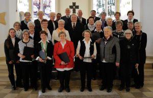 Der Ökumenische Kirchenchor (bestehend aus Mitgliedern der Singgemeinde und des Cäcilienchores) beim Jubiläum 2016