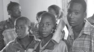 SERVICE JESUITE DE REFUGIES – Les enfants soldats L'éducation au service de la protection des enfants 2004