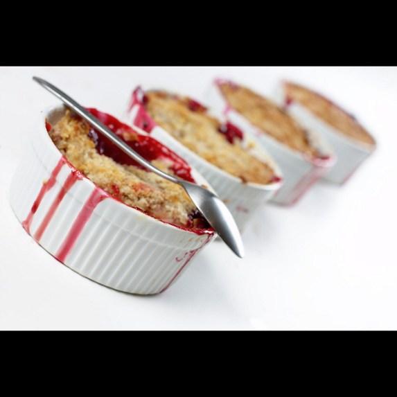 Berry Crumble - gluten free vegan - 80 Twenty Nutrition - media dietitian Christy Brissette