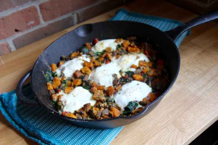 Sweet Potato Egg Skillet with Spinach and Mushrooms - a one pan vegetarian gluten-free meal - Christy Brissette media dietitian 80 Twenty Nutrition