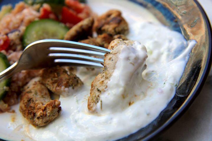 greek-food-chicken-in-tzatziki