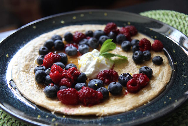 bodybuilder pancakes - oats and egg whites with all the healthy toppings! IIFYM gluten-free protein fiber - Christy Brissette media registered dietitian nutritionist of 80 Twenty Nutrition