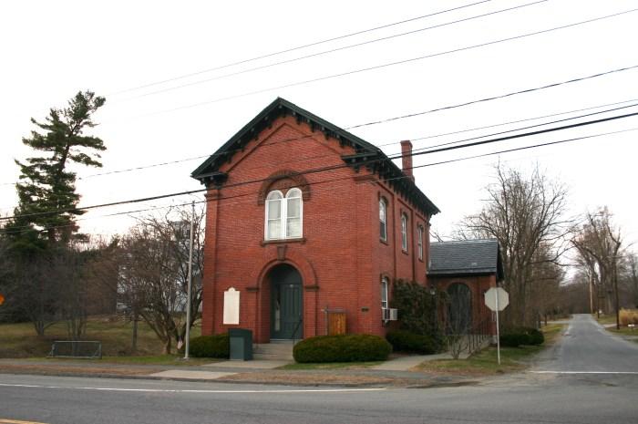 Cushman Library, Bernardston, MA (on chriswolak.com)