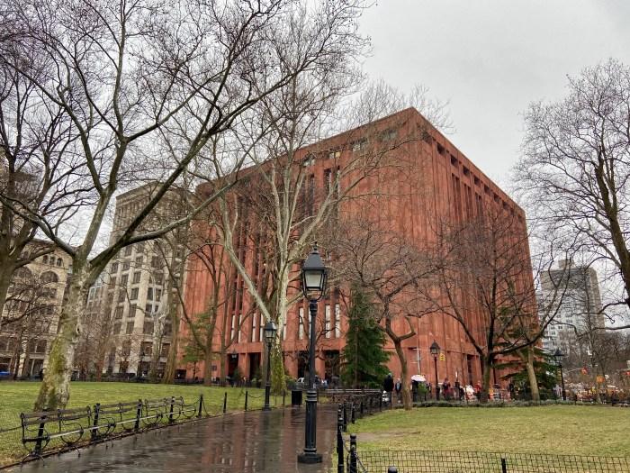 NYU Elmer Holmes Bobst Library (chriswolak.com)