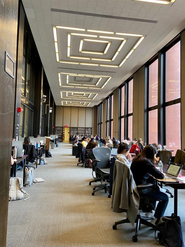 8th floor North Reading Room - NYU Elmer Holmes Bobst Library  (chriswolak.com)