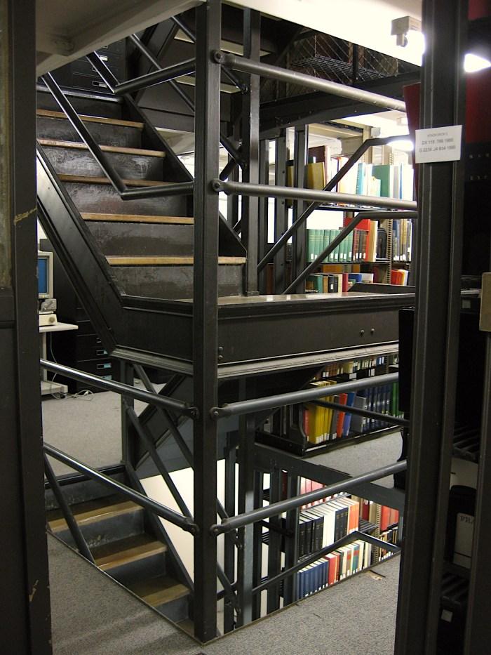 Cudahy Library Loyola University Chicago