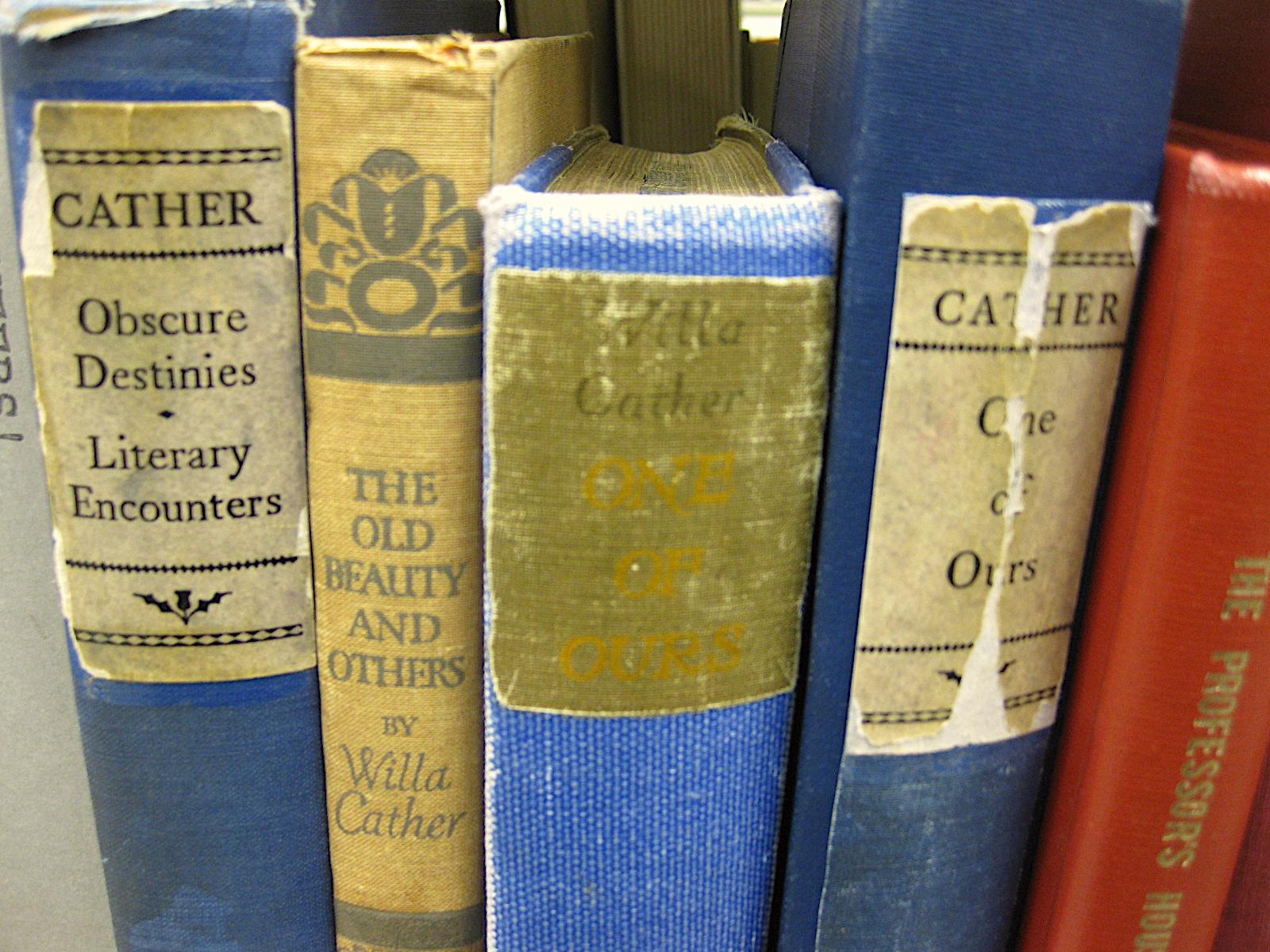 Cather on the Shelf Cudahy Library Loyola University Chicago