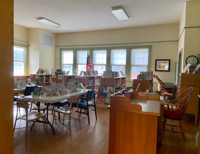 Childrens Room East Glastonbury Library