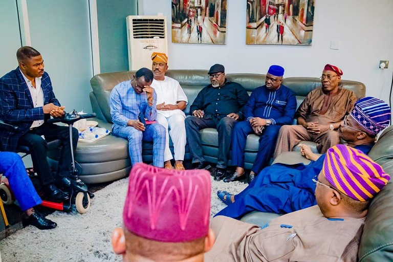 Governor Abiola Ajimobi met with Yinka Ayefele over the demolition of The Music House3