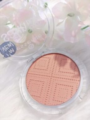 blush satin touch essence cosmetics