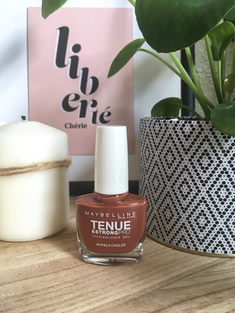 Vernis à ongles maybelline tenue & strongpro teinte Fighter
