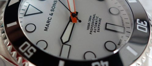 Marc & Sons MSD-045 Taucheruhr Made in Germany weißes Ziffernblatt Orange Zeiger (2)