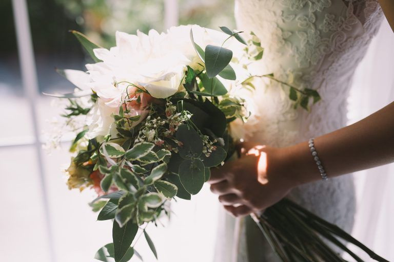 Питтоспорум в свадебном букете