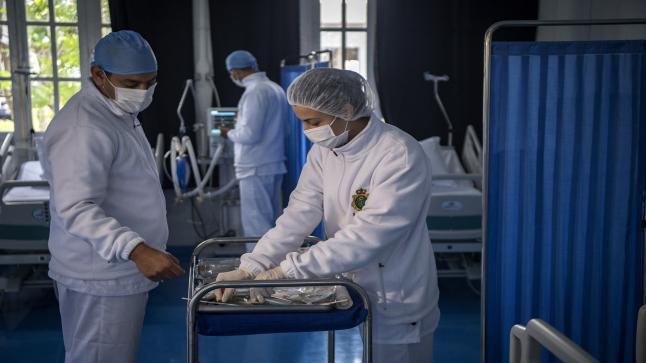 تونس: عضو باللجنة العلمية يحذر من إنهيار المنظومة الصحية بسبب السلالة البريطانية