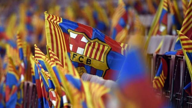 الشرطة الإسبانية تحاصر نادي برشلونة وتقود عمليات مصادرة واعتقالات