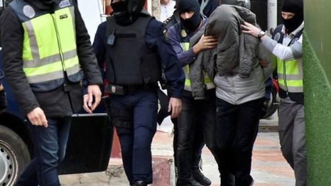 مهاجرون مغاربة يعتدون جنسيا على فتاة بإسبانيا ويطعنون صديقها بسلاح أبيض