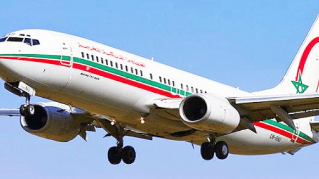 احتجاج ركاب الخطوط الملكية المغربية المتوجهين للداخلة بمطار المسيرة باكادير .