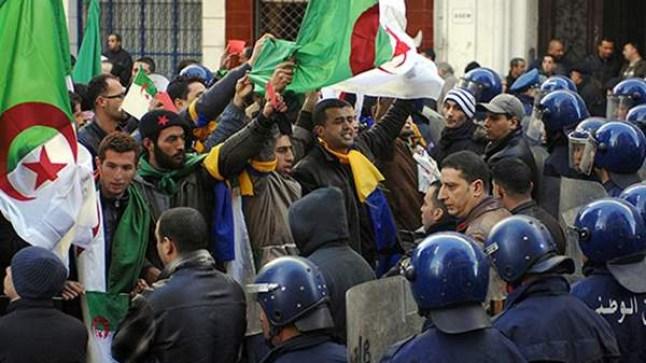 الجزائريون يرفضون عهدة خامسة لبوتفليقة