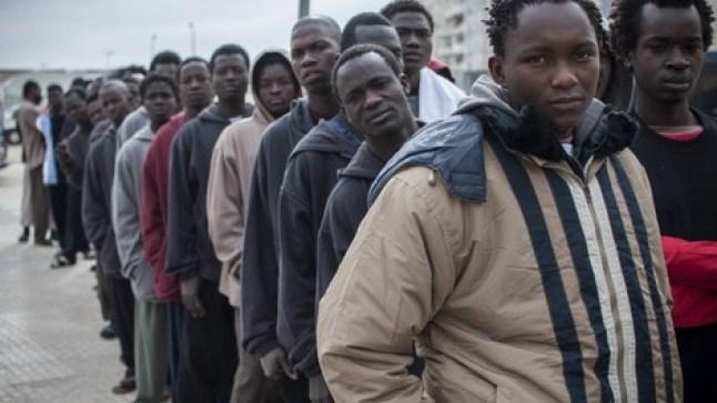 منظمة العفو الدولية تنتقد الجزائر وتتهمها بقمع مهاجرين أفارقة من جنوب الصحراء..