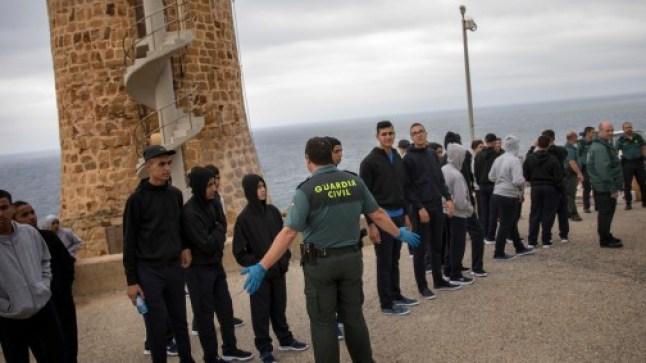 مرصد حقوقي يُؤكد وجود اتفاق مغربي/إسباني لترحيل 10 آلاف قاصر..