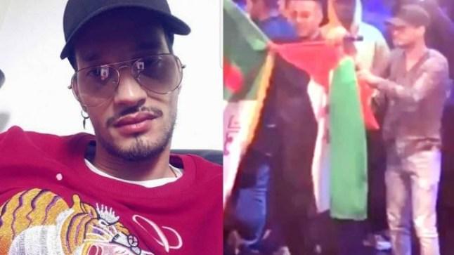 """المغني """"سولكينغ"""" يحمل علم البوليساريو في حفل له بإسبانيا.."""