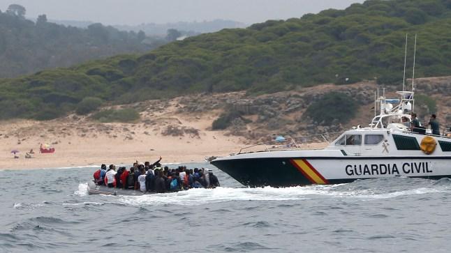 بعد انطلاقهم من سواحل الداخلة.. خفر السواحل الإسباني ينقذ مهاجرين سريين صحراويين..