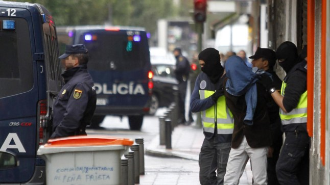 الأمن الإسباني يعتقل داعشياً مغربياً بعد تفكيك إحدى الخلايا الإرهابية التي ينتمي إليها بالمغرب..