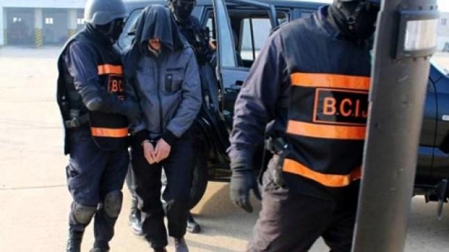 الشرطة القضائية توقف أستاذا حرض على ارتكاب جرائم في حق سائحات أجنبيات