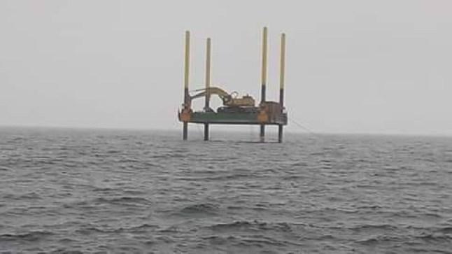 أمواج الأطلسي تأتي على مشروع بناء محطة لتصفية المياه..