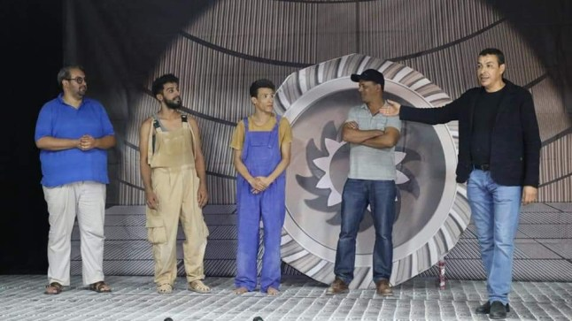 الفرق المسرحية بالصحراء تنفتح على جمهور مدن الشمال