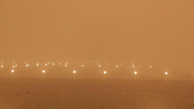 بعد الصحراء.. عواصف رملية تثير الرعب في صفوف الساكنة جزر الكناري وتتسبب في إغلاق مطارها